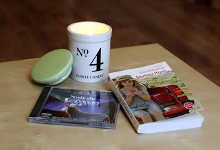 Coconut Numerical N 4 deYankee Candle