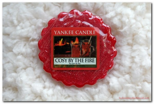 Cozy by the fire de Yankee Candle